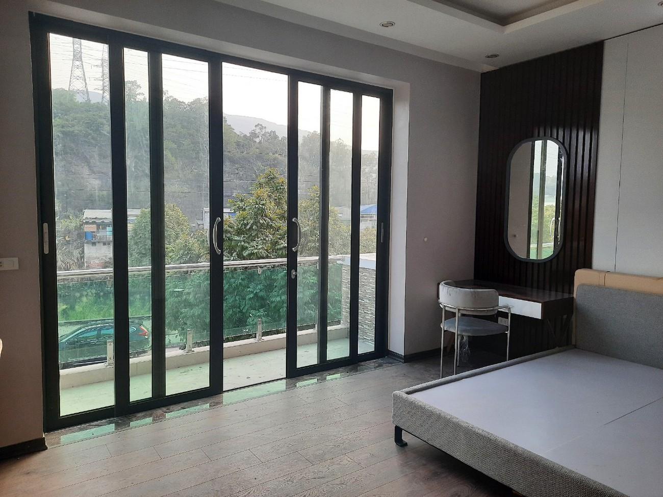 ho-mshangs-house-in-quang-ninh-bed-roomjpg-1629794643.jpg