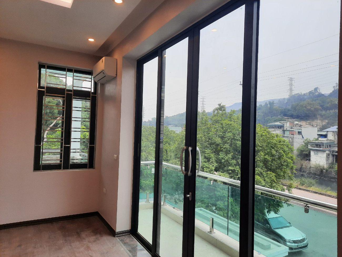 ho-mshangs-house-in-quang-ninh-door-windowjpg-1629794636.jpg